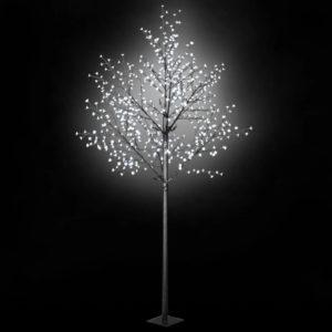 LED-tuledega puu tuppa või õue