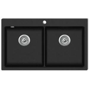 Must graniidist köögivalamu kahe kraanikausiga