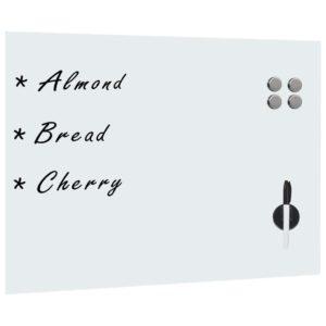 seinakinnitusega valge magnettahvel