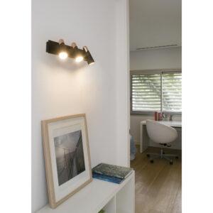 Seinavalgusti kolme valgusallikaga LAO LED