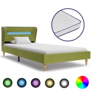 voodi LEDi ja mäluvahust madratsiga